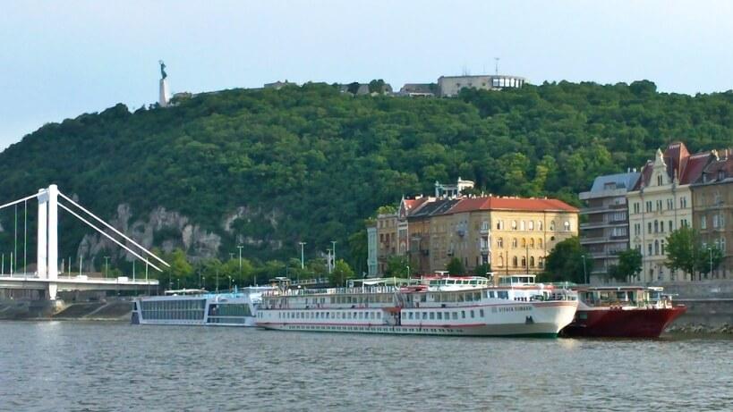 Pociągiem do Budapesztu - Góra Gellerta