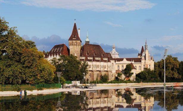Pociągiem do Budapesztu - Zamek Vajdahunyad