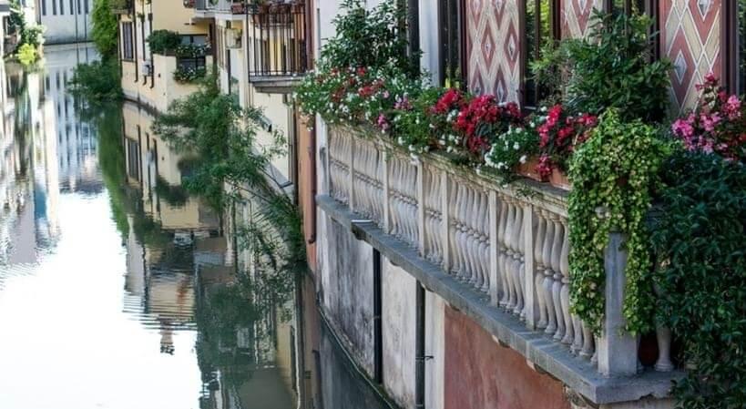 Rzeka Bacchiglione -zwiedzanie Włoch pociągiem